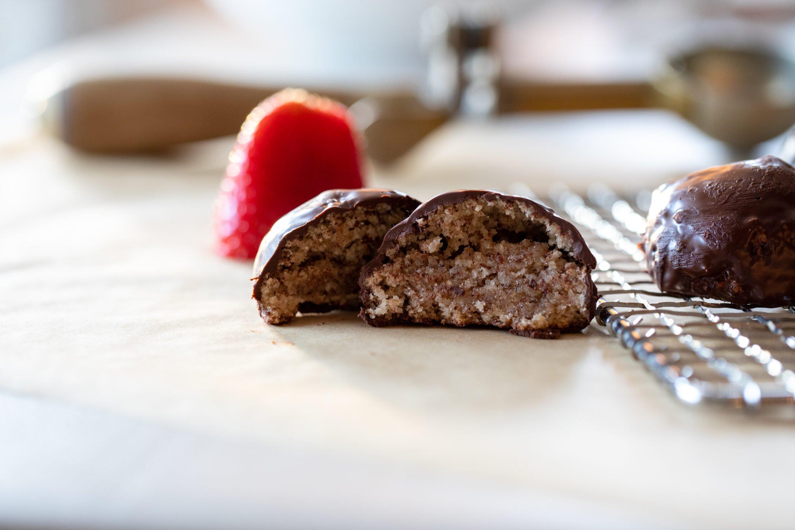Best Hazelnut Amaretti Cookies