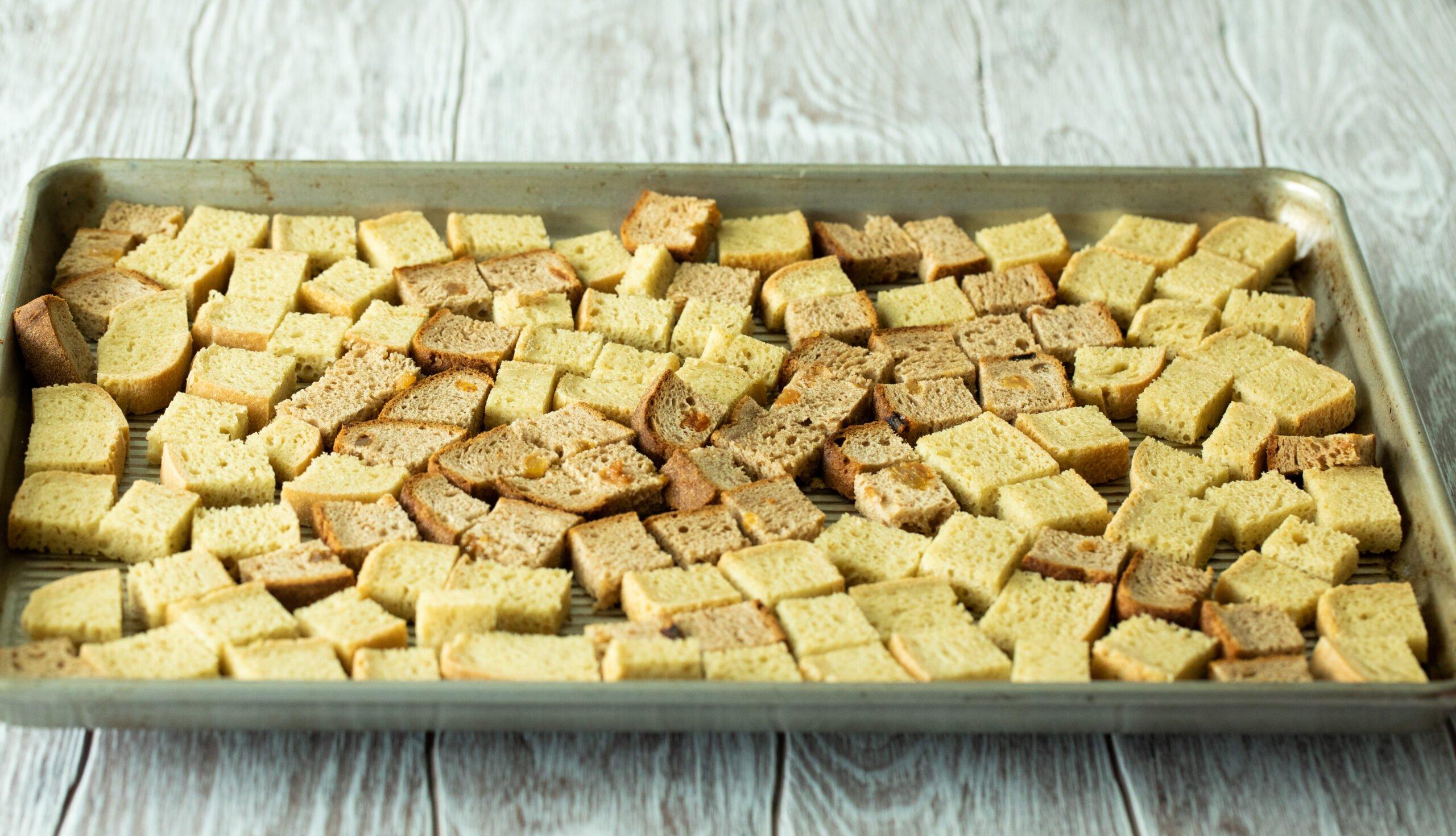 CUT GLUTEN-FREE BREAD